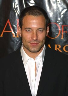 Johnny Messner.jpg