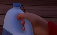 Большая бутылка молока14