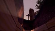 Сосед закапывает Главного героя в гробу