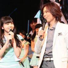 Hamaura Ayano, Sasaki Rikako, Taguchi Natsumi, Tanabe Nanami, Tsunku, Yoshihashi Kurumi-370827.jpg