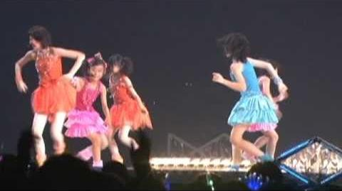 ℃-ute - Wakkyanai (Z) (Live Version @ Saitama Super Arena)