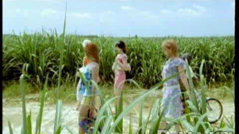 Melon_Kinenbi_-_Natsu_no_Yoru_wa_Danger!_(MV)