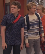 HD 3x09 arm touch at school.png