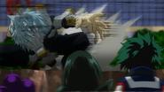 Tomura atakuje Tsuyu