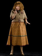 MollyWeasley WB F6 MollyWeasleyFullbody Promo 080615 Port