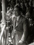Discurso de Santiago Carrillo en la plaza de toros de Tolosa (1936) - Fondo Car-Kutxa Fototeka