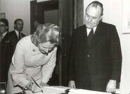 Margaret Thatcher (including picture with Robert Muldoon) (crop)