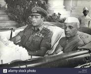 Jawaharlal-nehru-with-lord-mountbatten-in-singapore-1946-KWKX5T