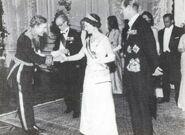 Miguel Serrano e Isabel II