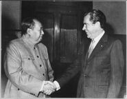 Lossy-page1-1200px-President Nixon meets with China's Communist Party Leader, Mao Tse- Tung, 02-29-1972 - NARA - 194759.tif