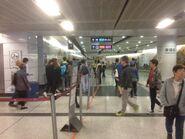 Hong Kong Station escalatgor road 08-01-2017(4)