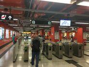 Lai Chi Kok entry gate 04-11-2019