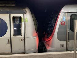 MTR MLR and R Train together in Mong Kok East 13-10-2021(2).JPG