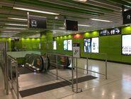 South Horiozns escalator to platform 20-04-2019