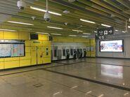 Wong Chuk Hang ticket machine concourse 04-01-2020