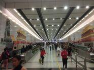 Hong Kong Station escalatgor road 08-01-2017(3)