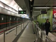 Ho Man Tin Tuen Ma Line platform(1) 23-01-2019