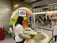 People take photo with Sung Wong Toi open board 13-06-2021(6)