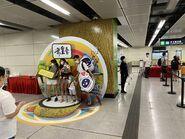 People take photo with Sung Wong Toi open board 13-06-2021(9)
