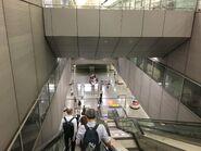 Kowloon long esclator to platform
