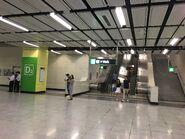Nam Cheong to Exit D2 escalators