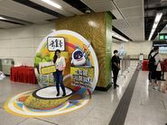 People take photo with Sung Wong Toi open board 13-06-2021(4)