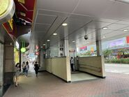 Lai Chi Kok Station lift 10-08-2021
