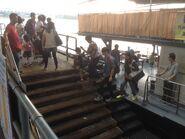 Kwun Tong Public Pier staircase 16-04-2016(5)
