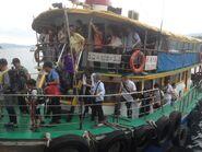 Wong Shek Pier passengers 17-04-2016(2)