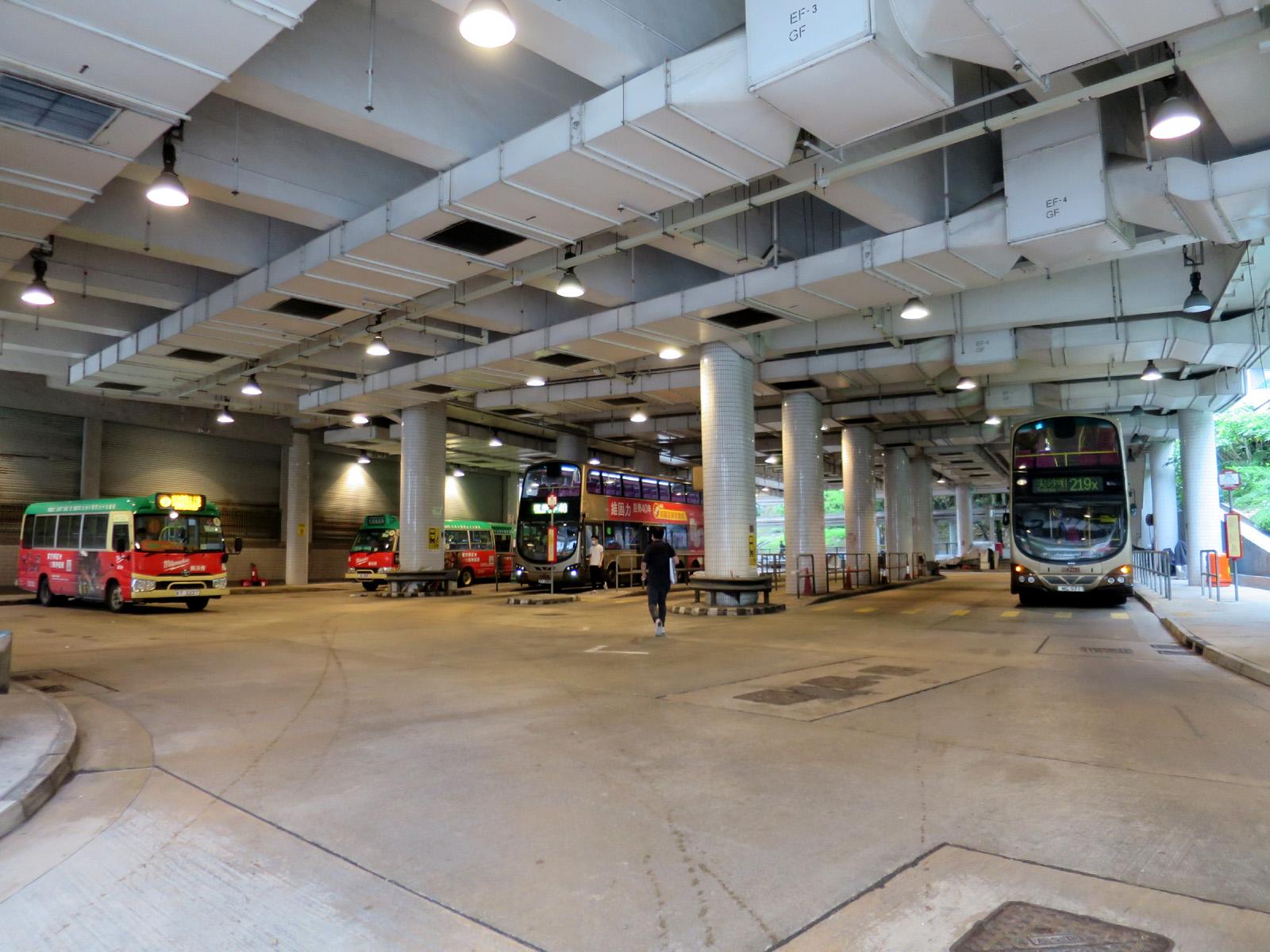麗港城總站