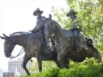 Pikes peak range memorial statue