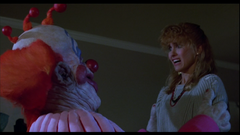 Debbie-Stone-killer-klowns-from-outer-space-41248707-853-480.png