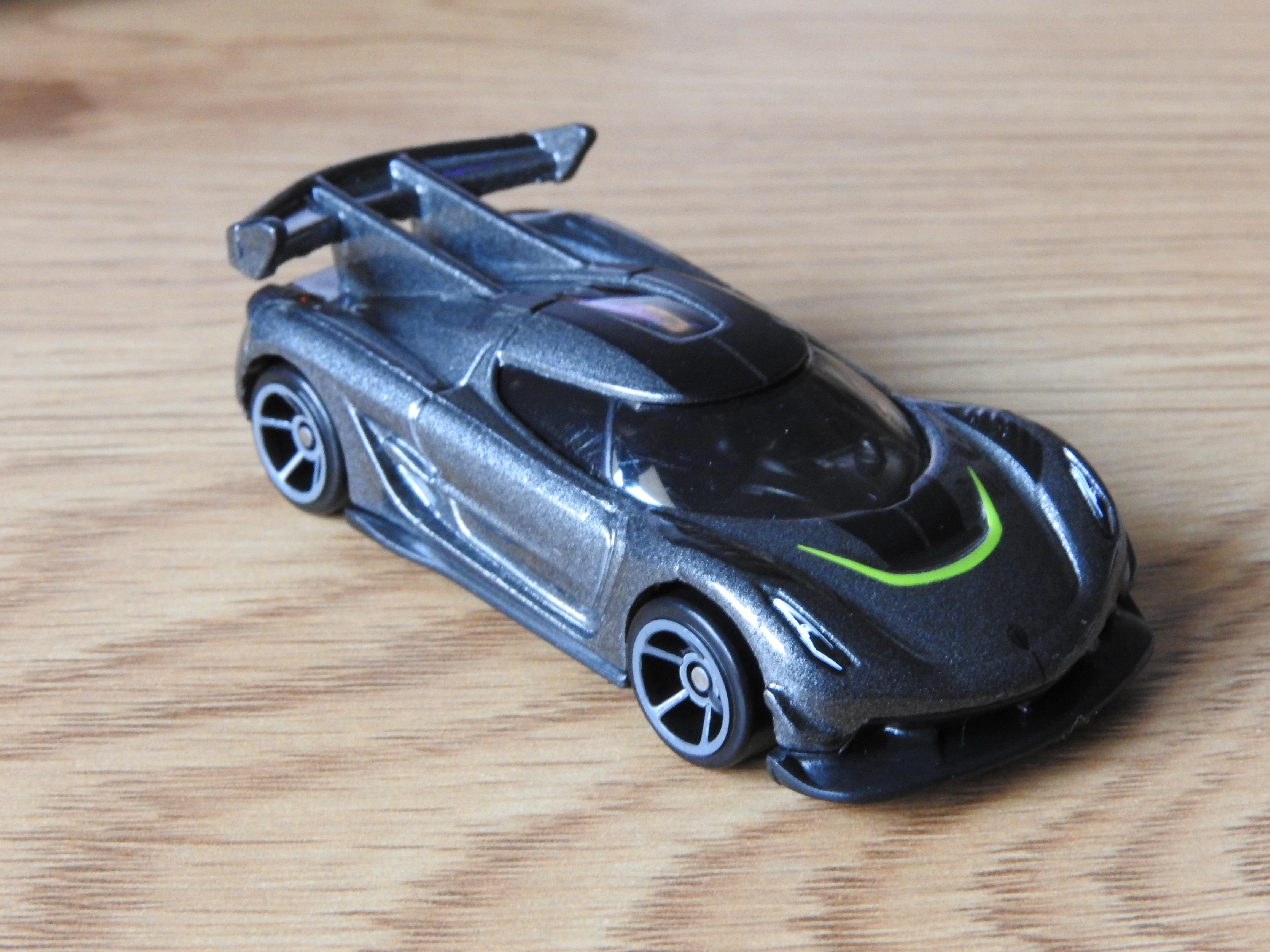 Hot Wheels  2020 Koenigsegg Jesko