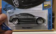 Hot-Wheel-Tesla-Model-3-side-1024x621