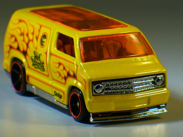 Custom '77 Dodge Van
