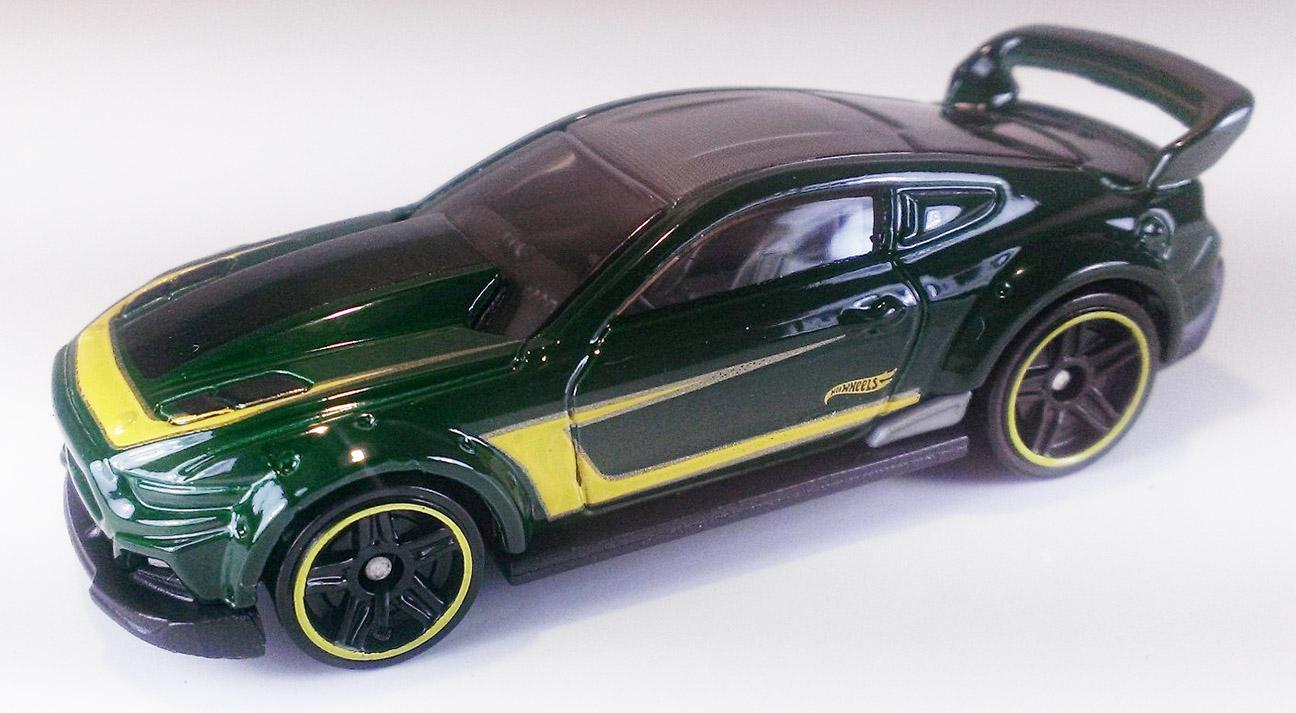 Custom '15 Ford Mustang