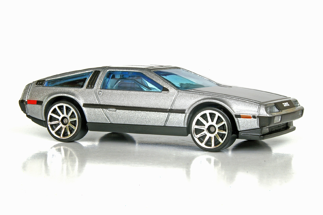 '81 DeLorean DMC-12