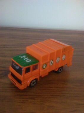 Refuse Truck Corgi1.jpg