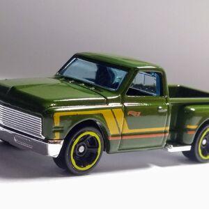 Hot Wheels 2020 /'69 Chevy Pickup *202//250 HW Hot Trucks *10//10 GHC40 Green