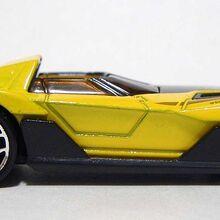HW Yur-So-Fast Yellow 05 DSCF7958.jpg