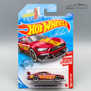 GHG66 - Custom 18 Ford Mustang GT Carded-1