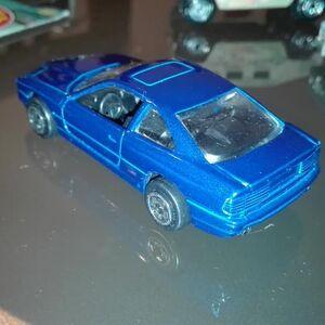 Hot Wheels Corgi BMW 850i back.jpg
