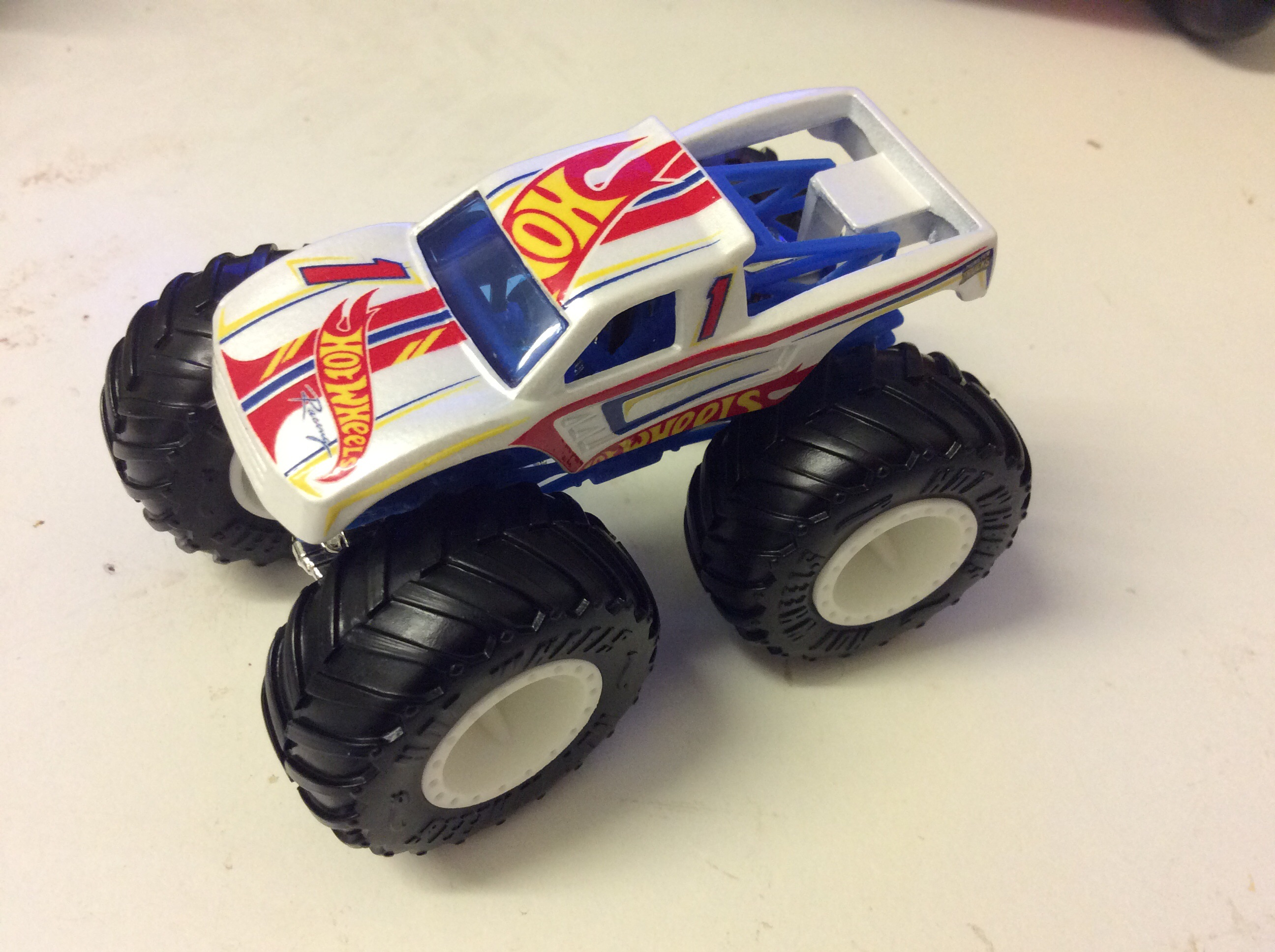 Hot Wheels Racing 1