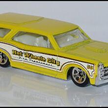 Hot Wheels 2010 111//240 HW City Works 3//10 Custom 66 GTO Wagon Metallic Yellow and Pearl White