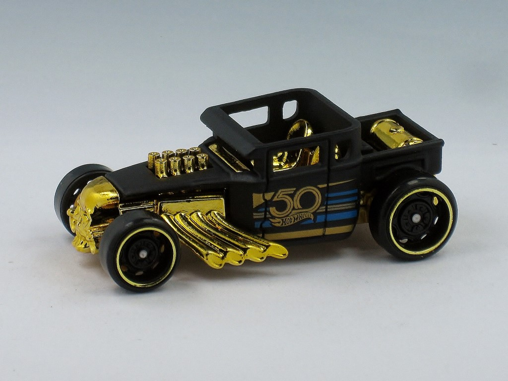 50th Anniversary Black and Gold Series (2018)