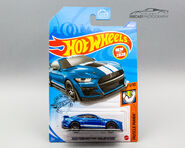 GHB32 - 2020 Ford Mustang Shelby GT500 carded-1