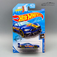 GHC59 - Custom 18 Ford Mustang carded-1
