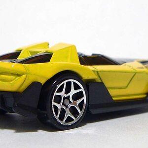 HW Yur-So-Fast Yellow RR DSCF7965.jpg