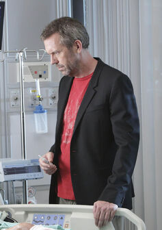 Hugh-Laurie-as-Dr.-Gregory-House-and-Amy-Irving-as-Alice.jpg