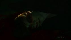 Emily-sinclair-muerta-202.png